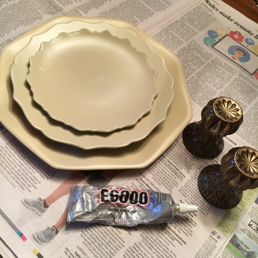 corralling jewelry_tray glue during