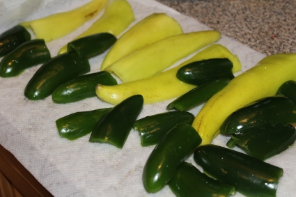 sausage stuffed peppers_clean and cut peppers