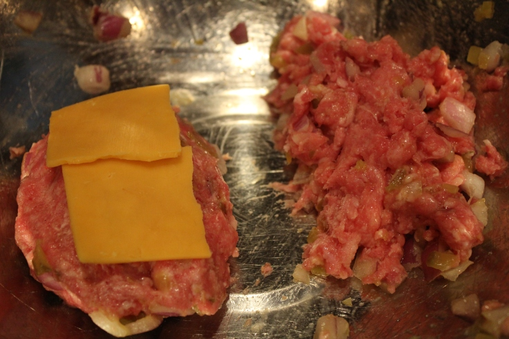 cheesesburger-meatloaf_stuff-with-cheese